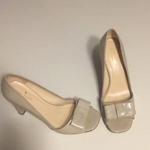 Kate Spade tan heels with bow (sz 8)